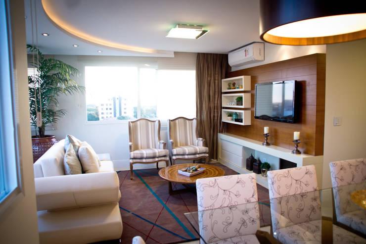 Living: Salas de estar  por INOVA Arquitetura,