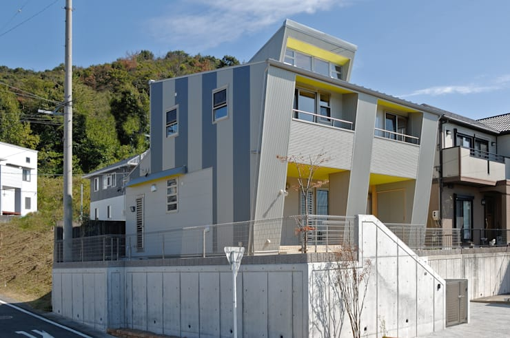 東南側外観: 氏原求建築設計工房が手掛けた家です。