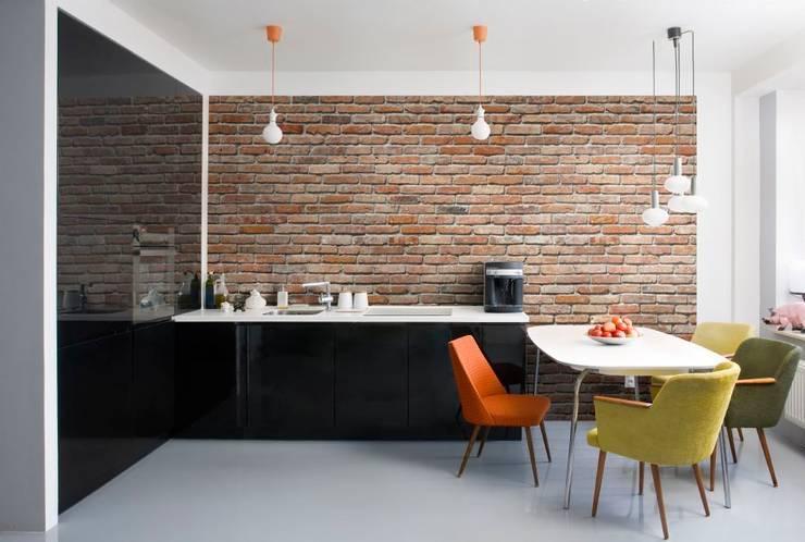 Paredes y pisos de estilo  por Paper Moon
