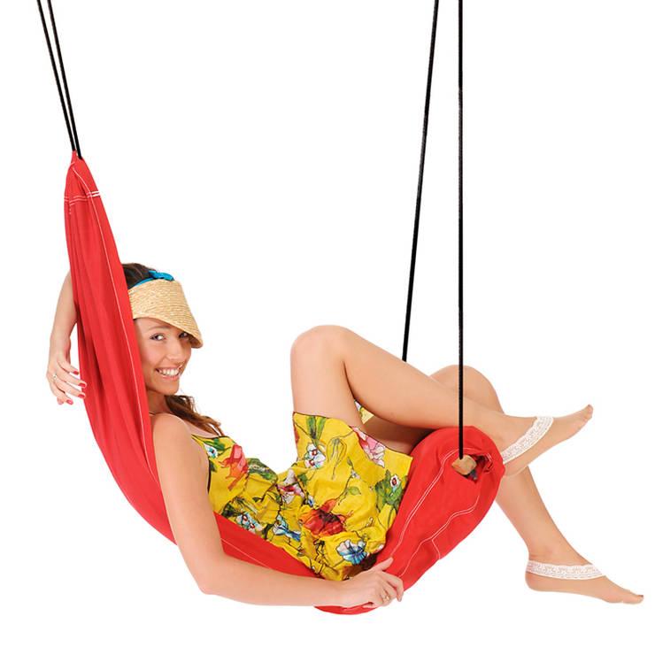 Huśtawka Hangover Red marki Amazonas: styl , w kategorii Pokój dziecięcy zaprojektowany przez Sklep Internetowy Kiddyfave.pl,