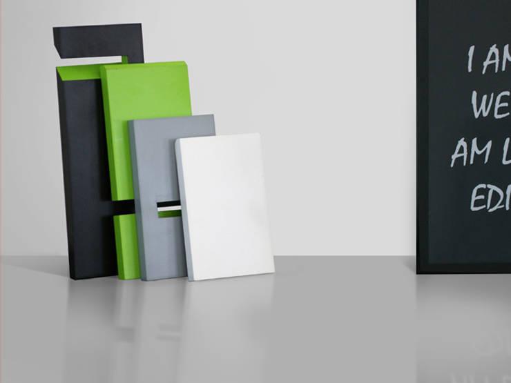 Stojak na książki, system modułowy: styl , w kategorii Domowe biuro i gabinet zaprojektowany przez Sałata-Pracownia Architektury Wnętrz