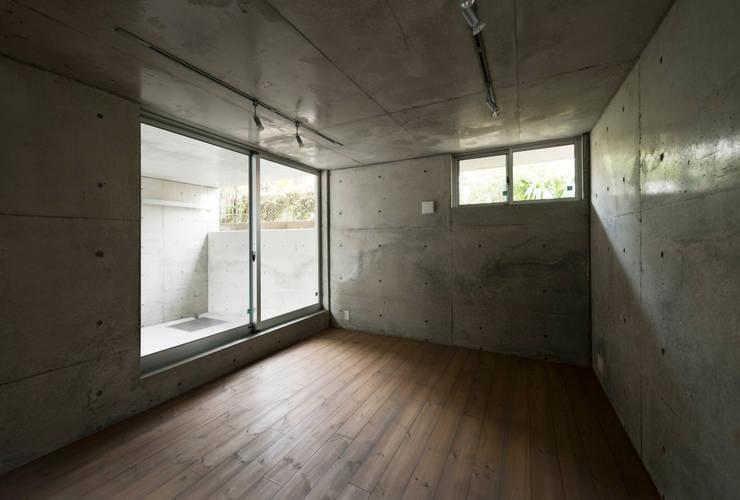 マドの家: 充総合計画 一級建築士事務所が手掛けた和室です。,