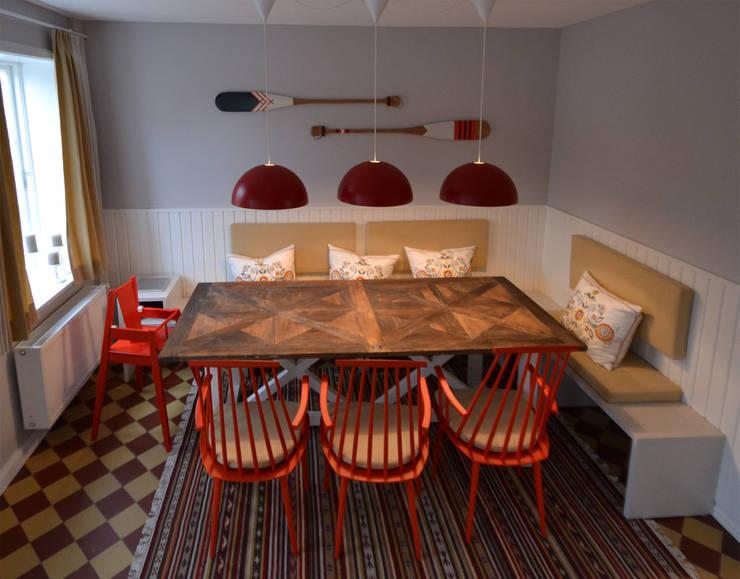 Ferienhaus Föhr Essbereich in Diele neu:  Flur & Diele von Ilka Mehrtens Paulsieg | unique room art