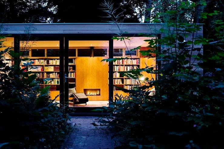 Garden House B.:  Huizen door Atelier 010