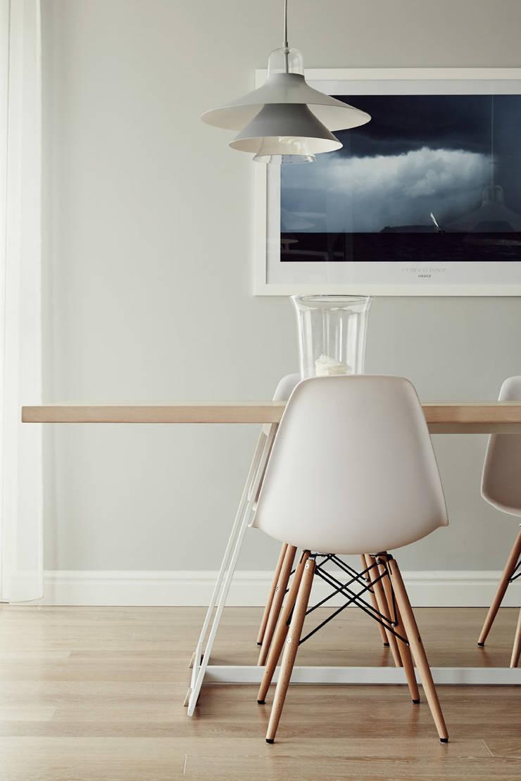 Apartament w Krakowie - jadalnia: styl , w kategorii Jadalnia zaprojektowany przez AvoCADo