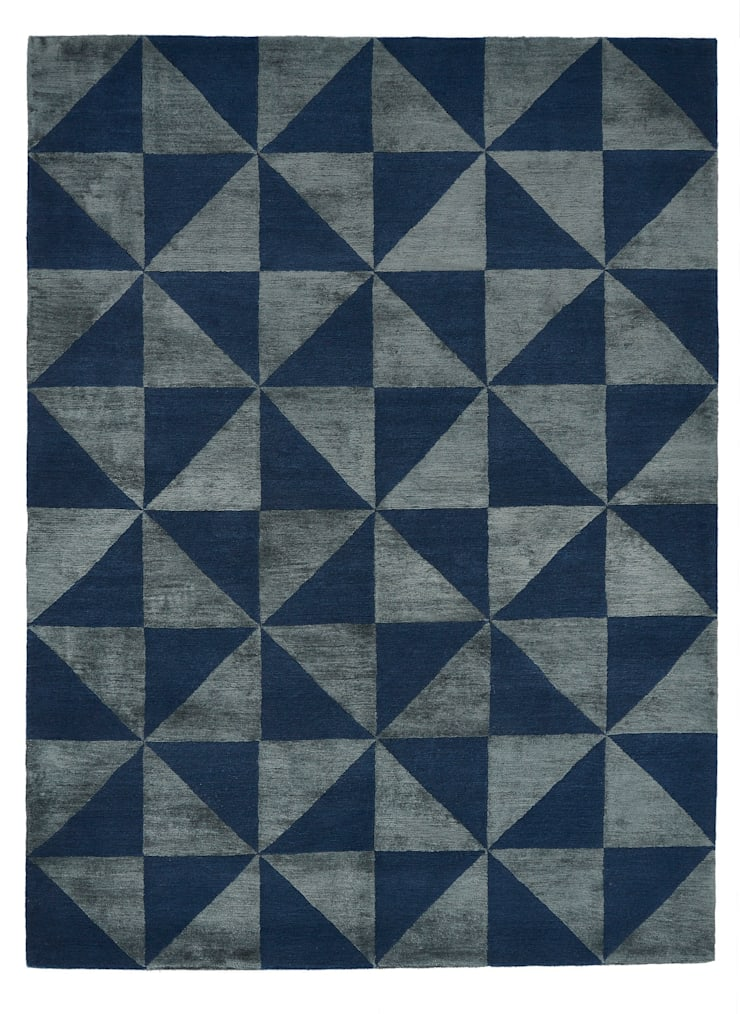 Deirdre Dyson REFLECTIONS hand knotted wool and silk rug:  Walls by Deirdre Dyson LLP, Modern