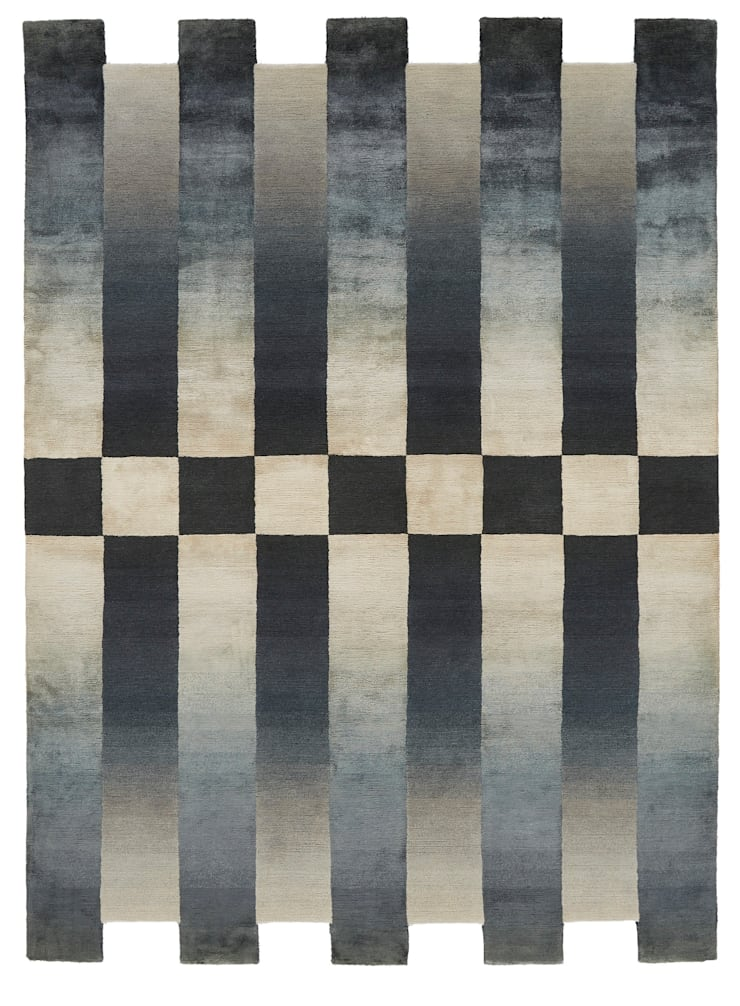Deirdre Dyson CHEQUERED hand knotted wool and silk rug:  Walls by Deirdre Dyson LLP, Modern
