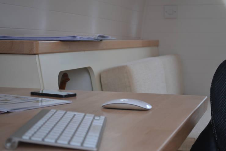 Office Pods: scandinavian  by Armadilla Pods, Scandinavian