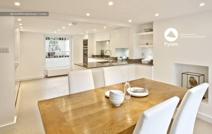 Nhà bếp by Pyram