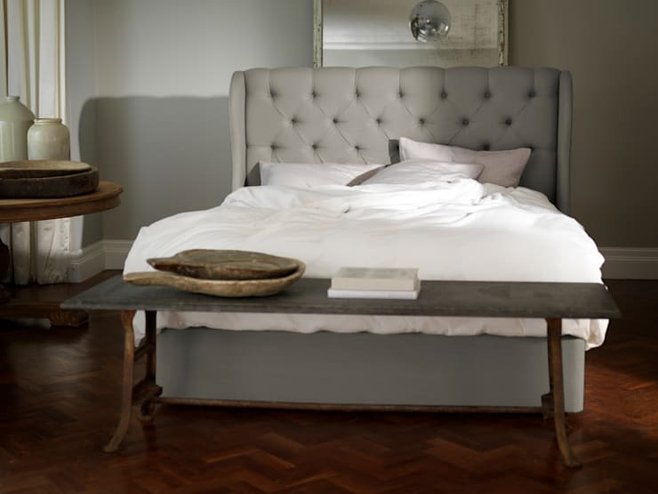 Camelia Divan: classic  by Button & Sprung, Classic