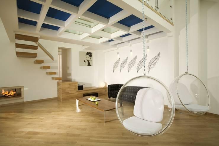 Квартира на Крестовском острове в Санкт-Петербурге: Гостиная в . Автор – Архитектурное бюро 'Sky-lines',