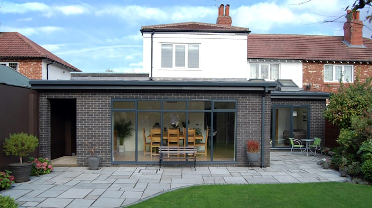 Extension to rear, Sun Room, Kitchen and Living Room:  Conservatory by Grant Erskine Architects