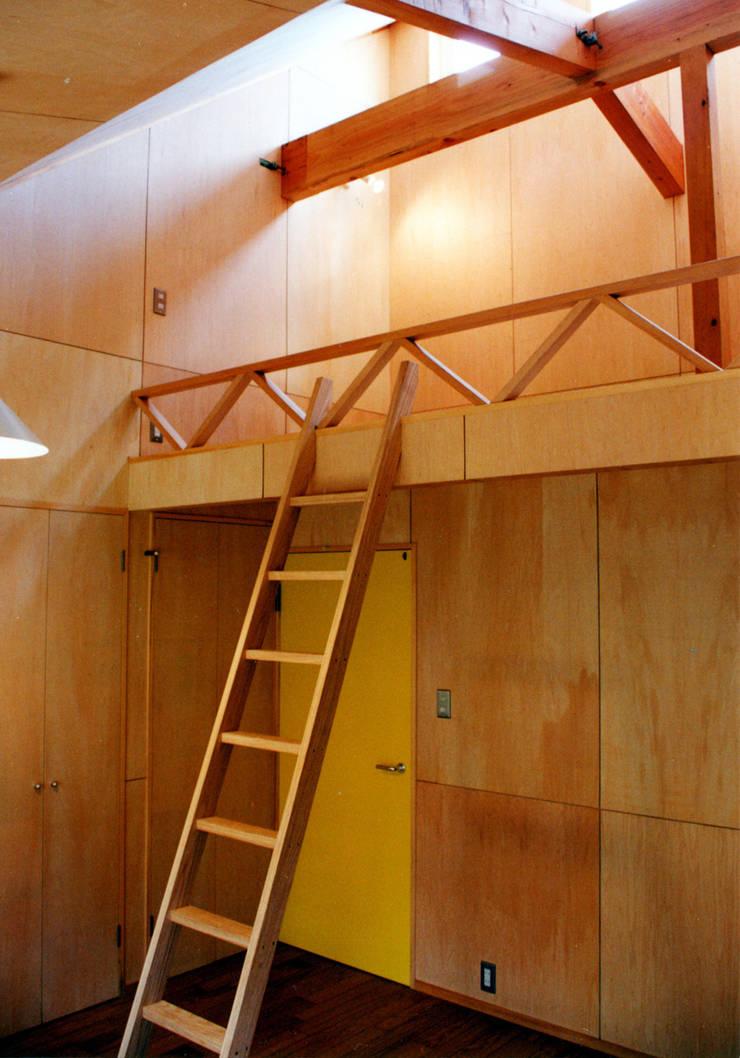 悠久山の家: 一級建築士事務所 有限会社 アーキセッションが手掛けた子供部屋です。