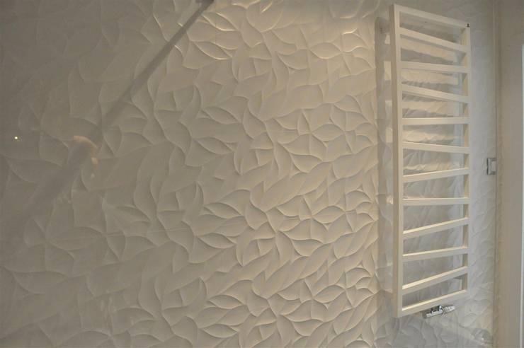 łazienka dla gości - parter: styl , w kategorii Łazienka zaprojektowany przez Tarna Design Studio