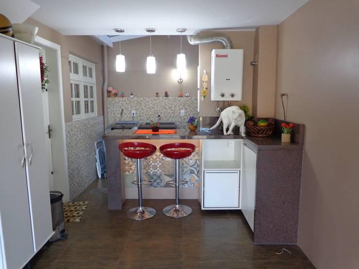 Reforma garagem zona Norte : Garagens e edículas  por Elaine Medeiros Borges design de interiores,