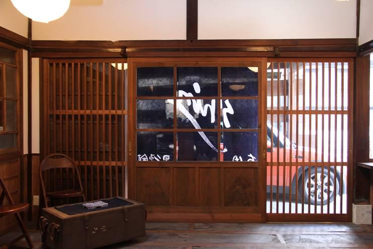 神ノ前アトリエ: 田中博昭建築設計室が手掛けた窓です。