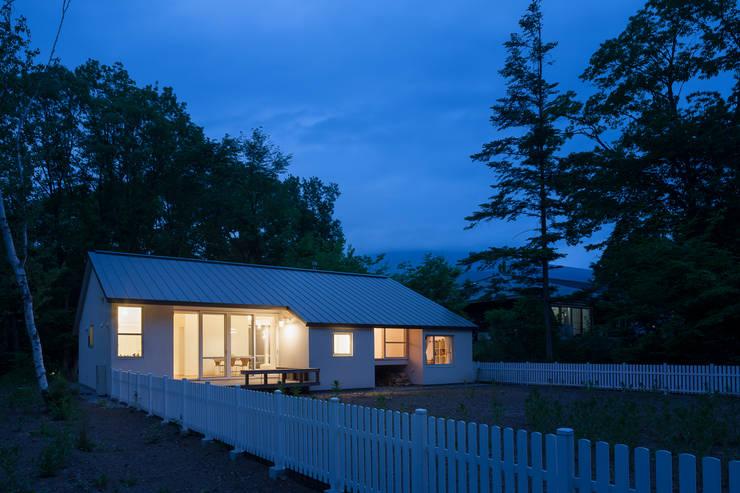 modern Houses by 株式会社 直井建築設計事務所