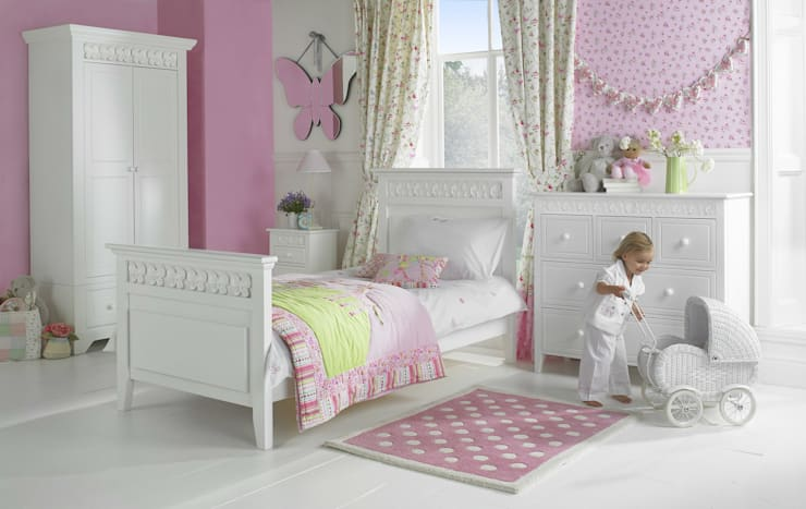 Florence Flutterby Collection:  Nursery/kid's room by Little Lucy Willow