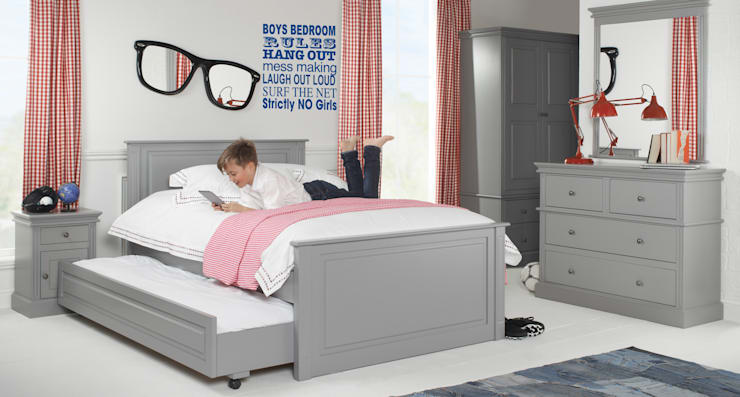 Archie Fairweather Truckle Bed: classic  by Little Lucy Willow, Classic