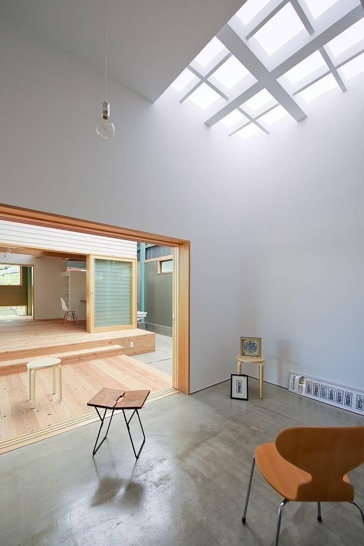 ギャラリー: アトリエセッテン一級建築士事務所が手掛けたオフィススペース&店です。,モダン