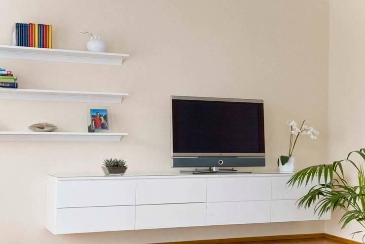 Tv Möbel Hängeboard Von Schrankwerkde Homify