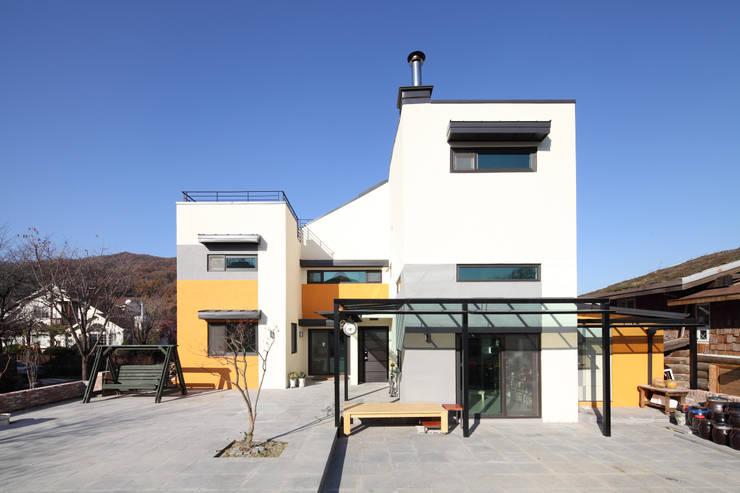 Case in stile  di 주택설계전문 디자인그룹 홈스타일토토