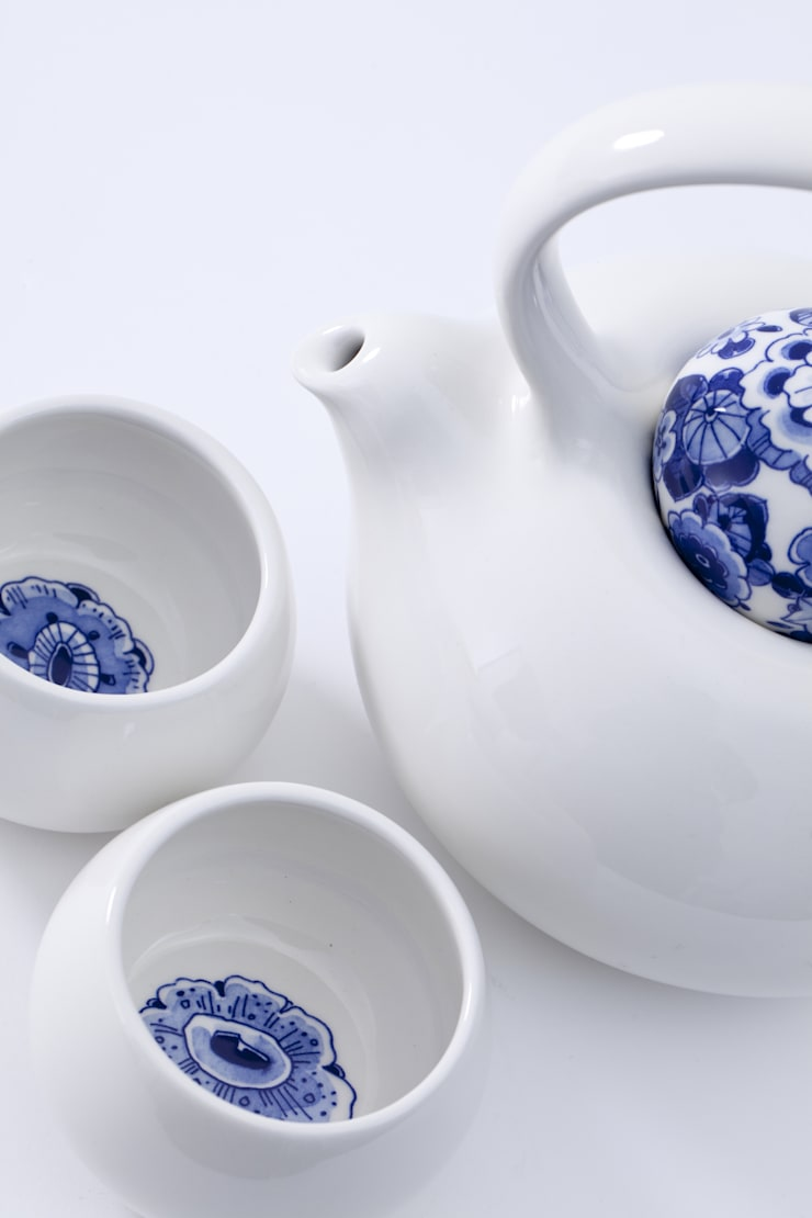 Blue Belly Tea Story:  Eetkamer door Royal Delft