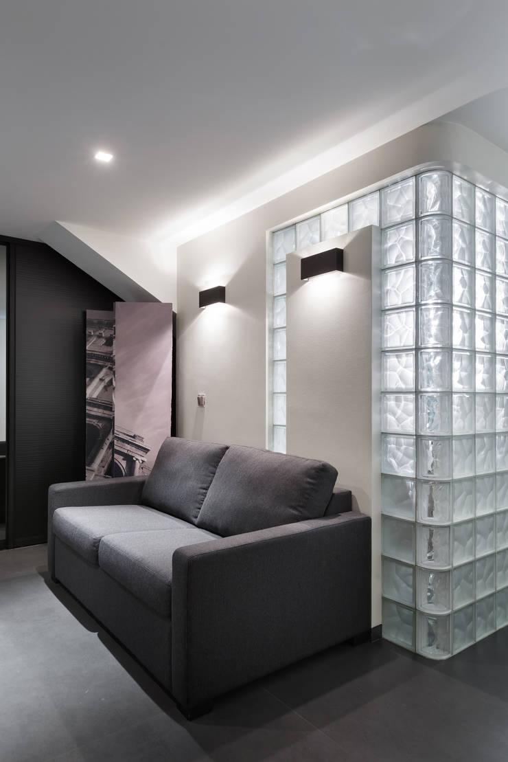 Комната для гостей.: Спальни в . Автор – (DZ)M Интеллектуальный Дизайн
