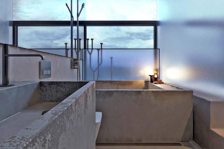 chair house: Ванные комнаты в . Автор – IGOR SIROTOV ARCHITECTS