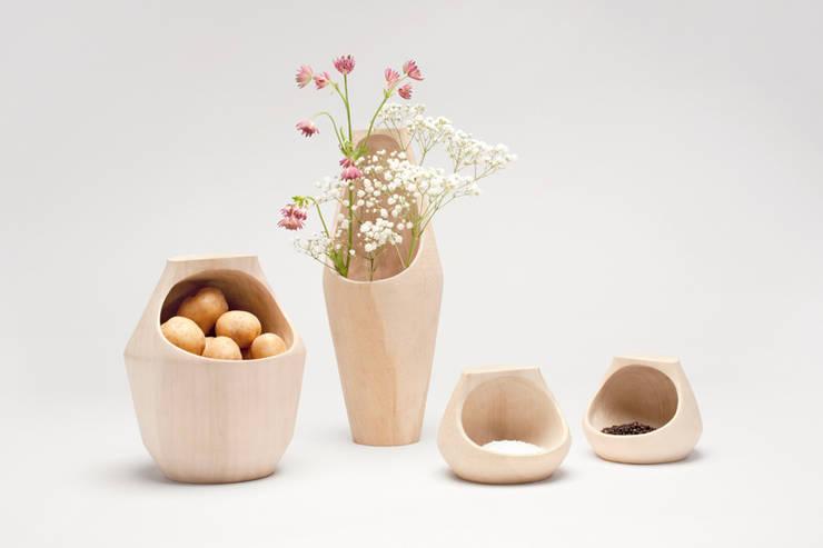 Serie vases:   door Studio Daan Brandenburg