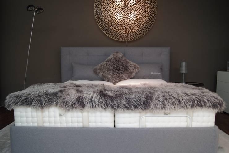 غرفة نوم تنفيذ Bolz Planungen für Licht und Raum