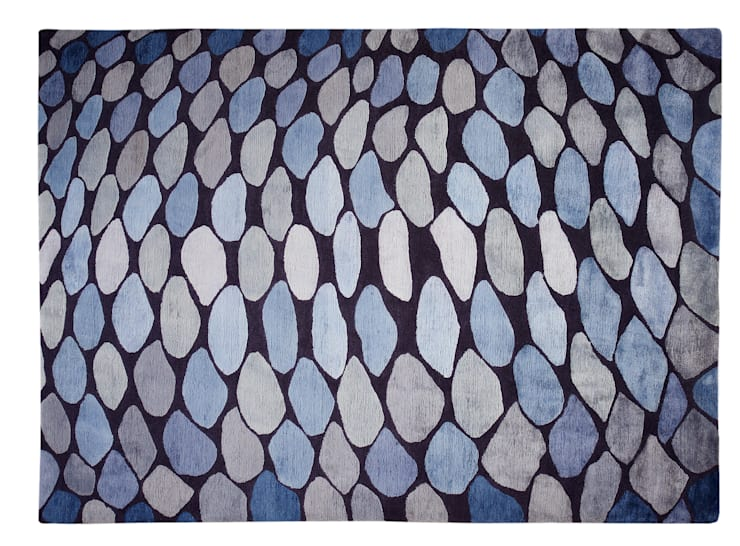 FISH SCALES hand knotted wool & silk rug from the 2013 DESIGNS FROM THE DEEP collection : modern  by Deirdre Dyson LLP, Modern