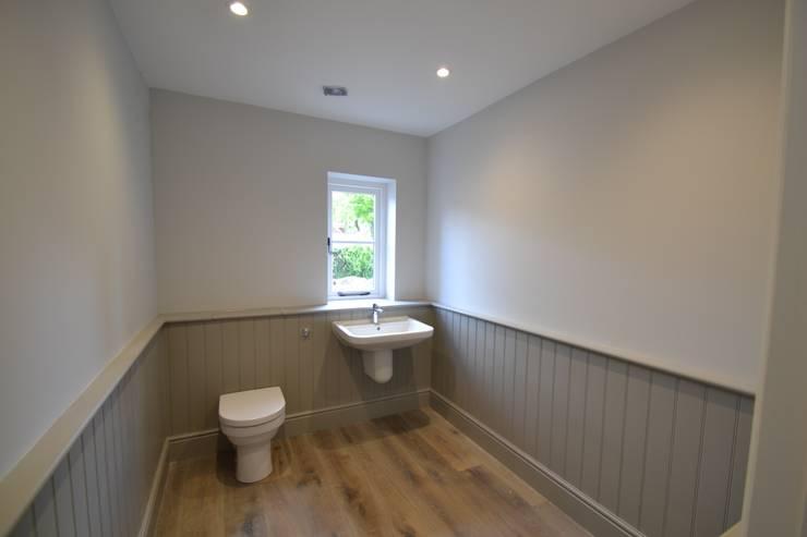 Park House, Kilmeston:  Bathroom by Studio Four Architects