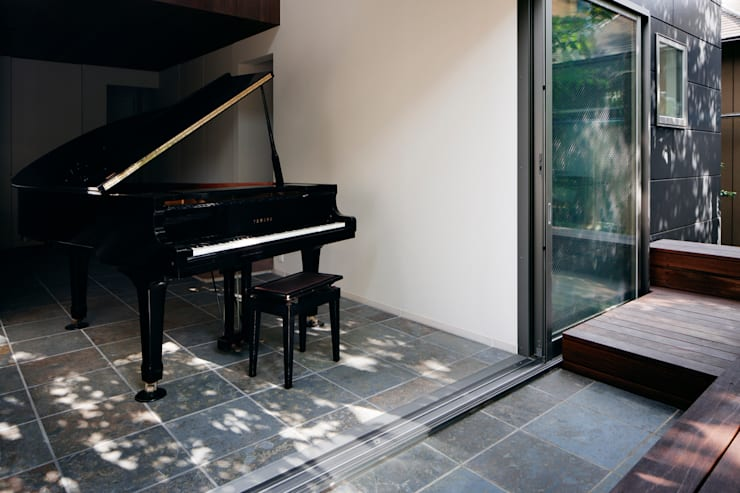 庭: 松岡淳建築設計事務所が手掛けた庭です。