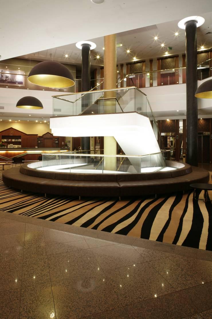 Hoteles de estilo  por Anna Buczny PROJEKTOWANIE WNĘTRZ, Moderno
