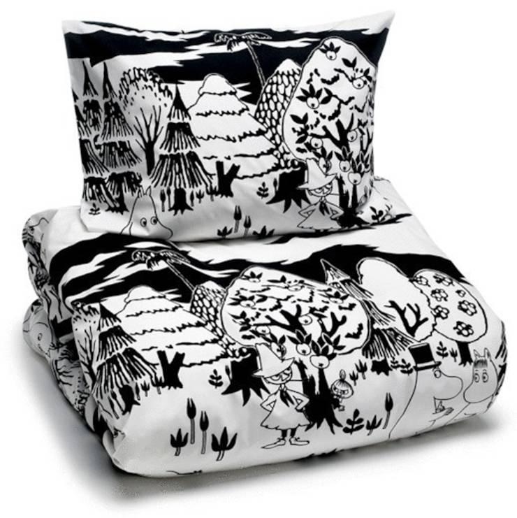 Cudowna pościel z Muminkami: styl , w kategorii Sypialnia zaprojektowany przez Żyrafy z Szafy,Skandynawski