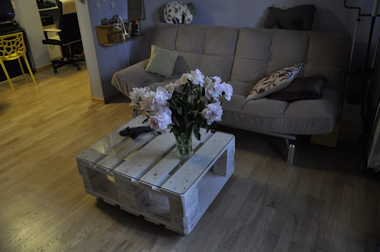 Журнальный столик из паллет на колесиках:  в . Автор – WoodMorning!_pallet joinery, Лофт
