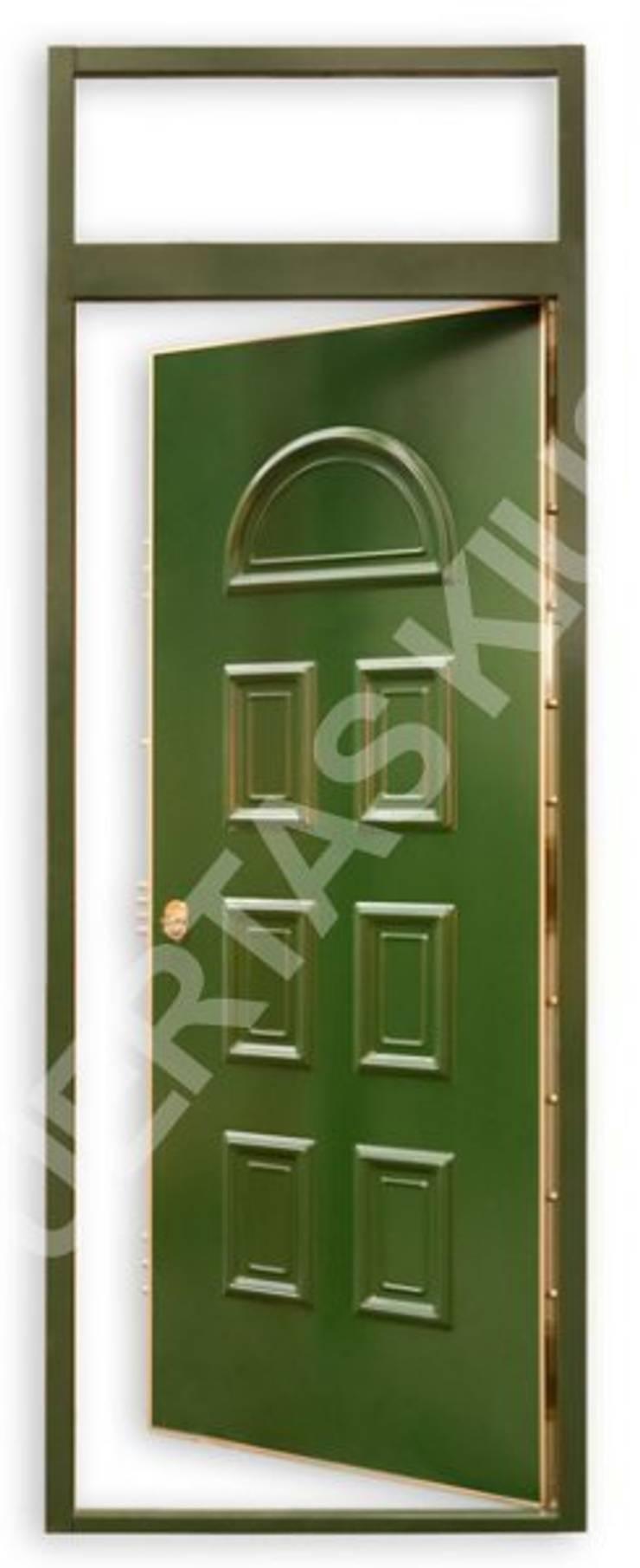 PUERTA MONTANTE 1: Puertas y ventanas de estilo  de PUERTAS KIUSO