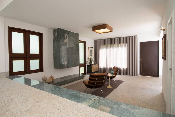 Estar: Salas de estar  por Mutabile