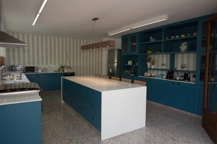 CASA MP: Cozinhas  por Mutabile