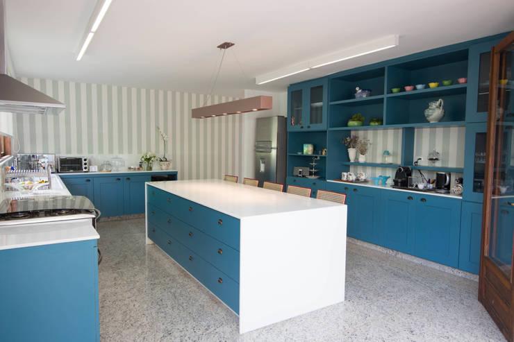 CASA MP: Cozinhas campestres por Mutabile