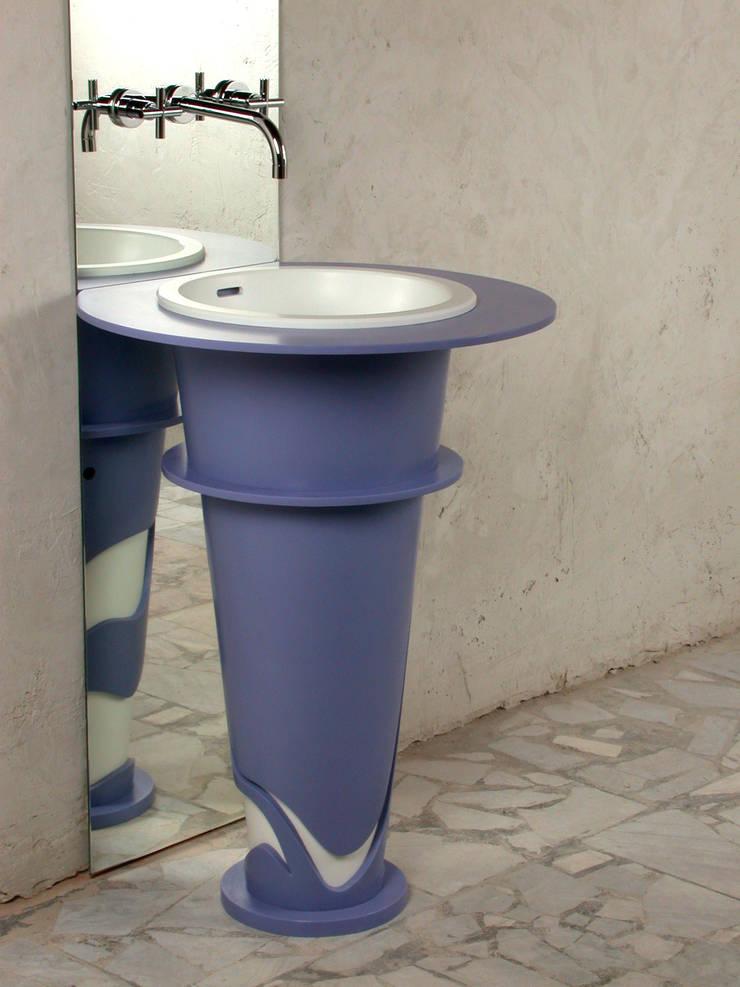 Anna Buczny PROJEKTOWANIE WNĘTRZ  projekt umywalki z corianu: styl , w kategorii Łazienka zaprojektowany przez Anna Buczny PROJEKTOWANIE WNĘTRZ