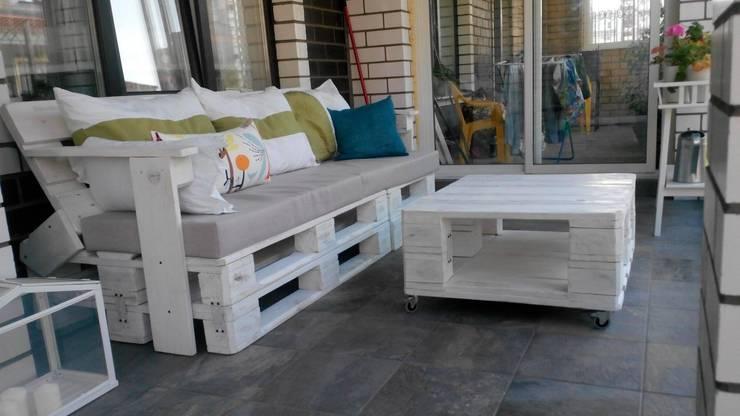 Комплект мебели из паллет на веранду: Балкон, веранда и терраса в . Автор – WoodMorning!_pallet joinery,