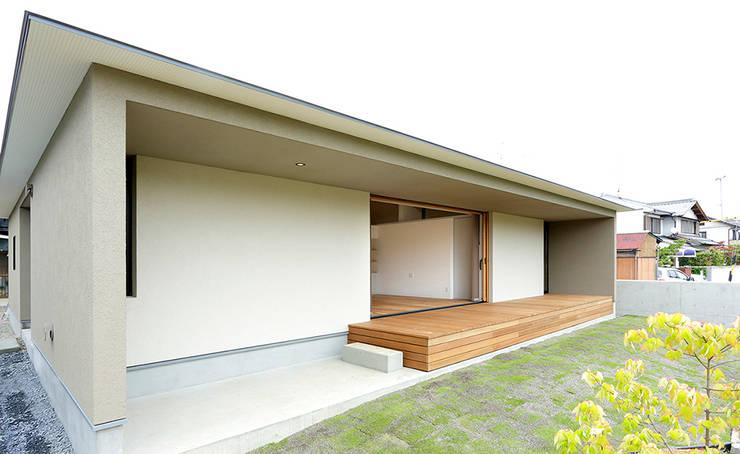大きな屋根のいえ: miyukidesignが手掛けた家です。