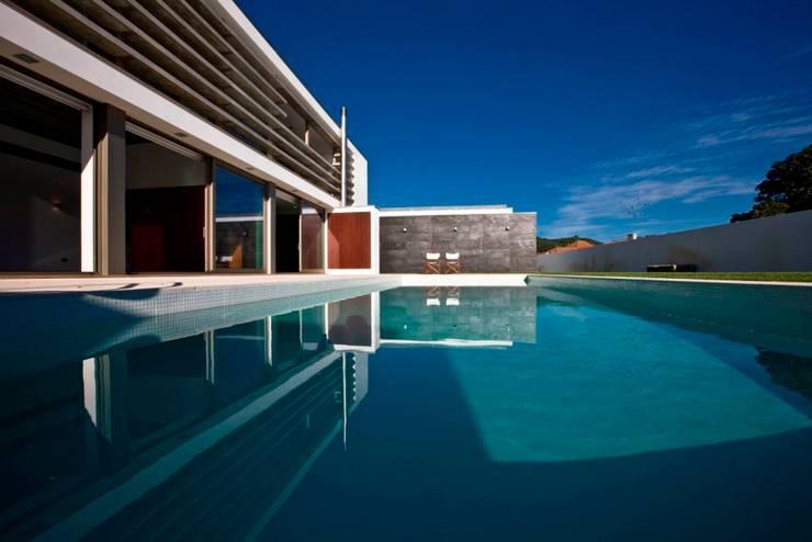 Casa SG: Casas modernas por Atelier Lopes da Costa