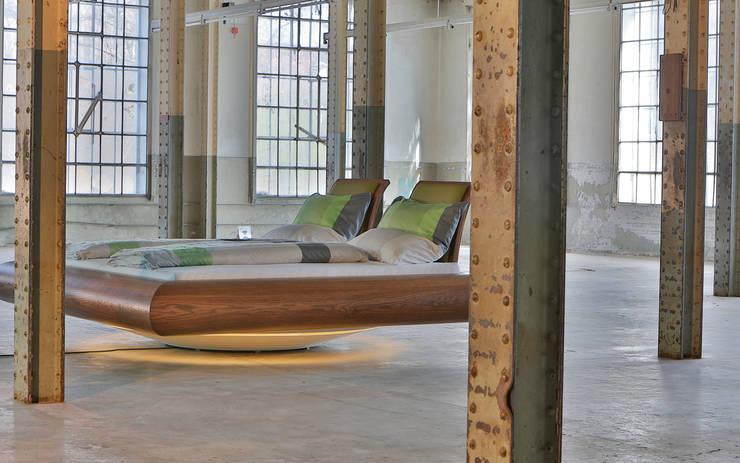 minimalist  by Schreinerei Haas Mathias, Minimalist