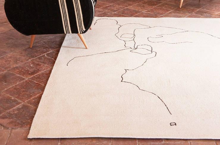 Alfombra Chillida Mano 1993 de Nanimarquina: Salones de estilo  de XETAI ALTZARIAK