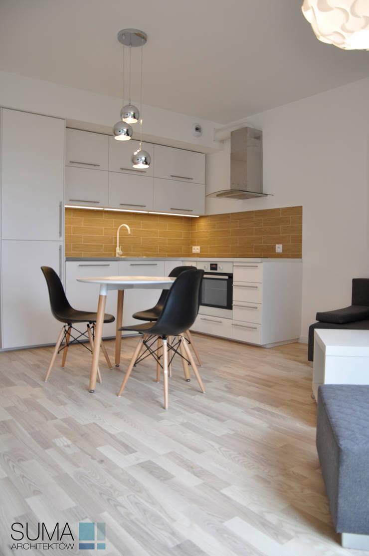 M33_RENT_ONE: styl , w kategorii Jadalnia zaprojektowany przez SUMA Architektów