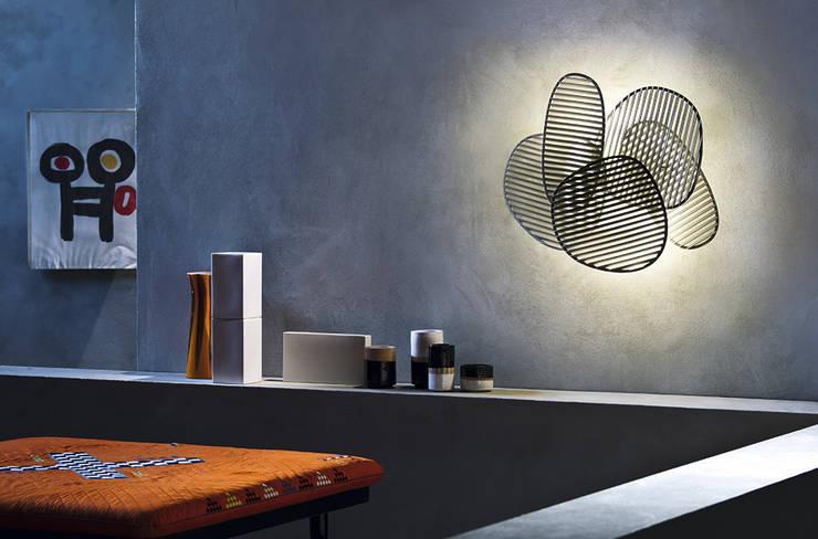 Lámpara Nuage de Foscarini: Salones de estilo moderno de XETAI ALTZARIAK