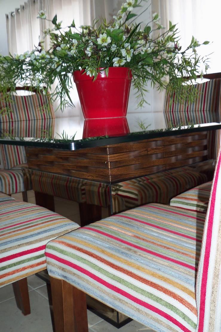 Cobertura Zona Norte: Salas multimídia  por Elaine Medeiros Borges design de interiores